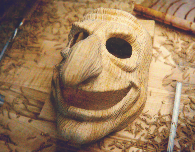 Wood mask in proces
